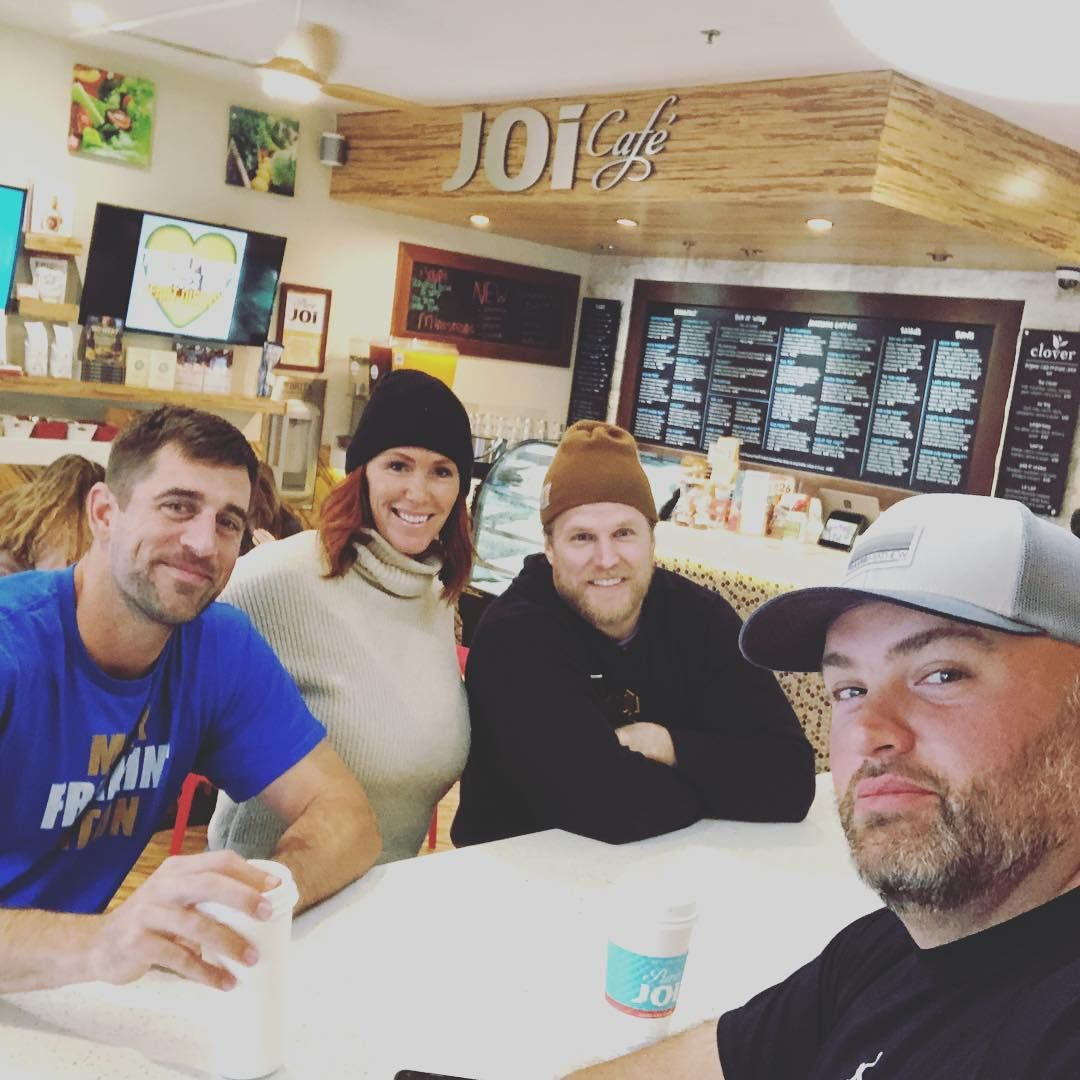 Aaron Rodgers Is Back With The Boys With Images Aaron Rodgers Green Bay Packers Fans Packers