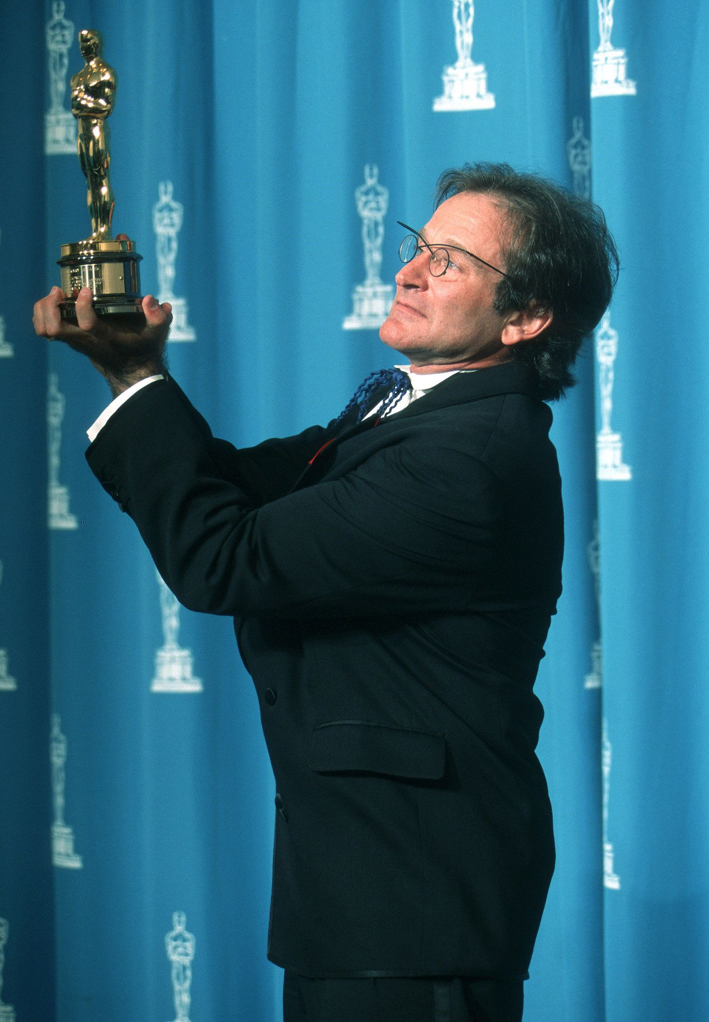 All the Fun Vintage Pictures From the Oscars Press Room