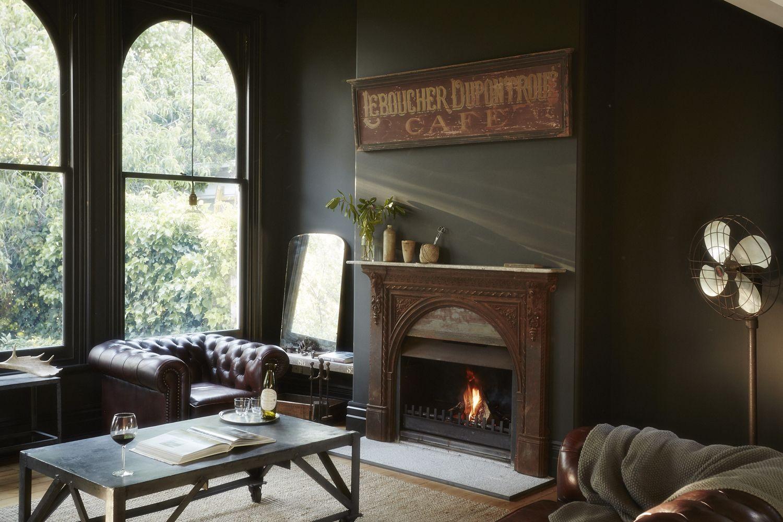 Vintage house interior design an english home with effortless elegance  dark grey walls
