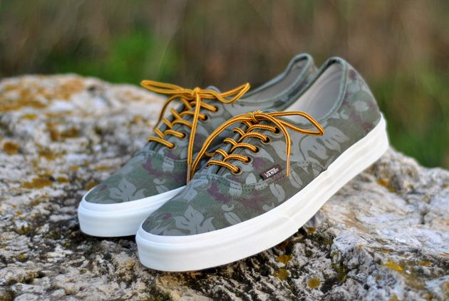 vans authentic california floral camo