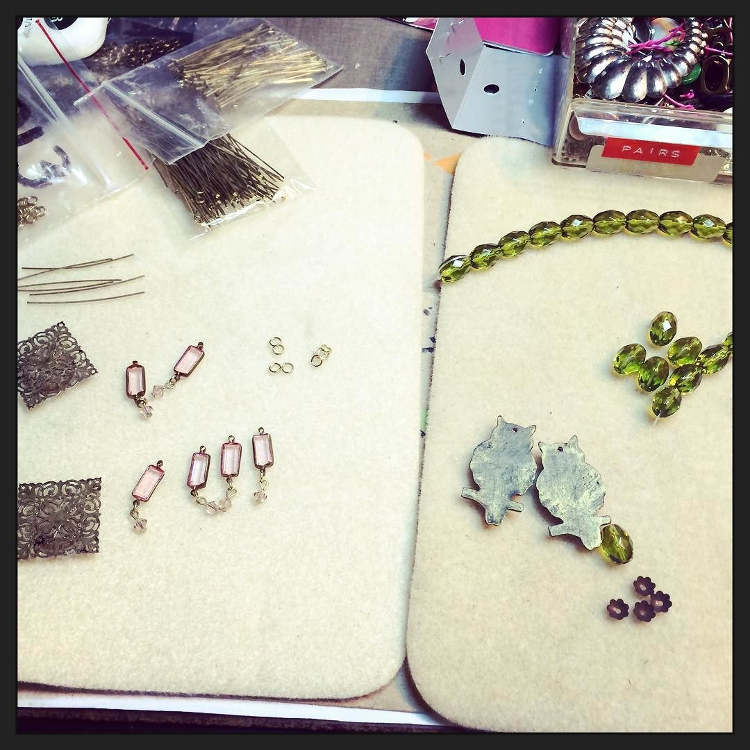 Getting some creative time in while it's nasty outside. #jewelrymaking #creative #upcycling #repurposing #earrings #jewelry #jewelrydesigner