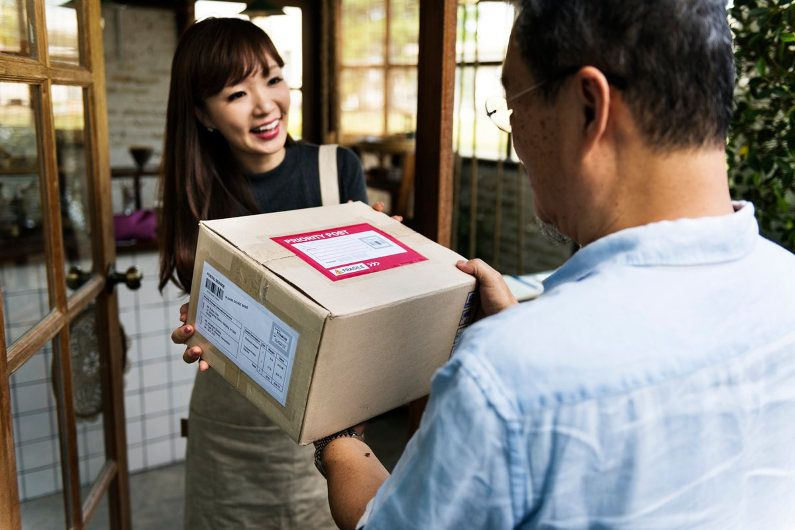 What to Consider when Choosing a Business Courier Same
