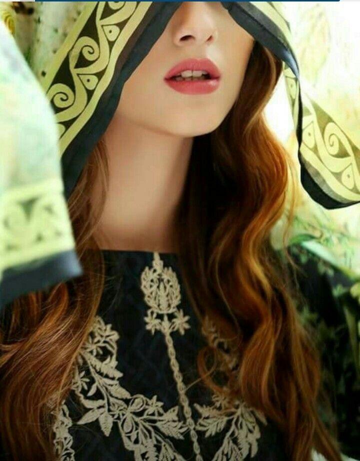 Fashion week Girlz dpz for stylish pics for girls