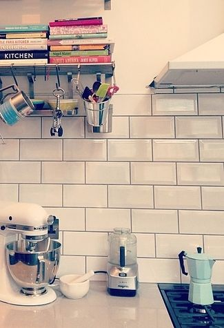 Stylish kitchen (10 Awesome Renovations You Have To See To Believe)