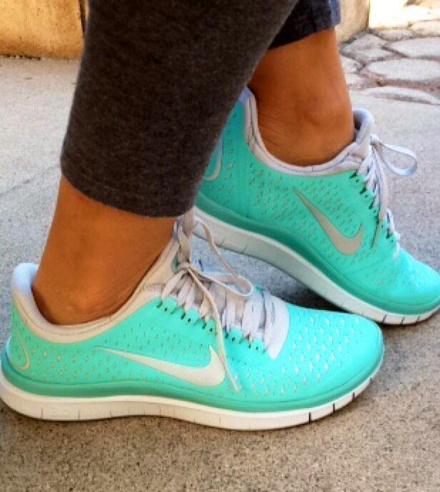 tiffany blue nike tennis shoes