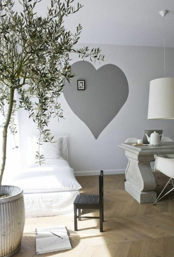 graues herz an der wand - eine gute idee für wand streichen im ... - Kreative Ideen Wohnzimmer