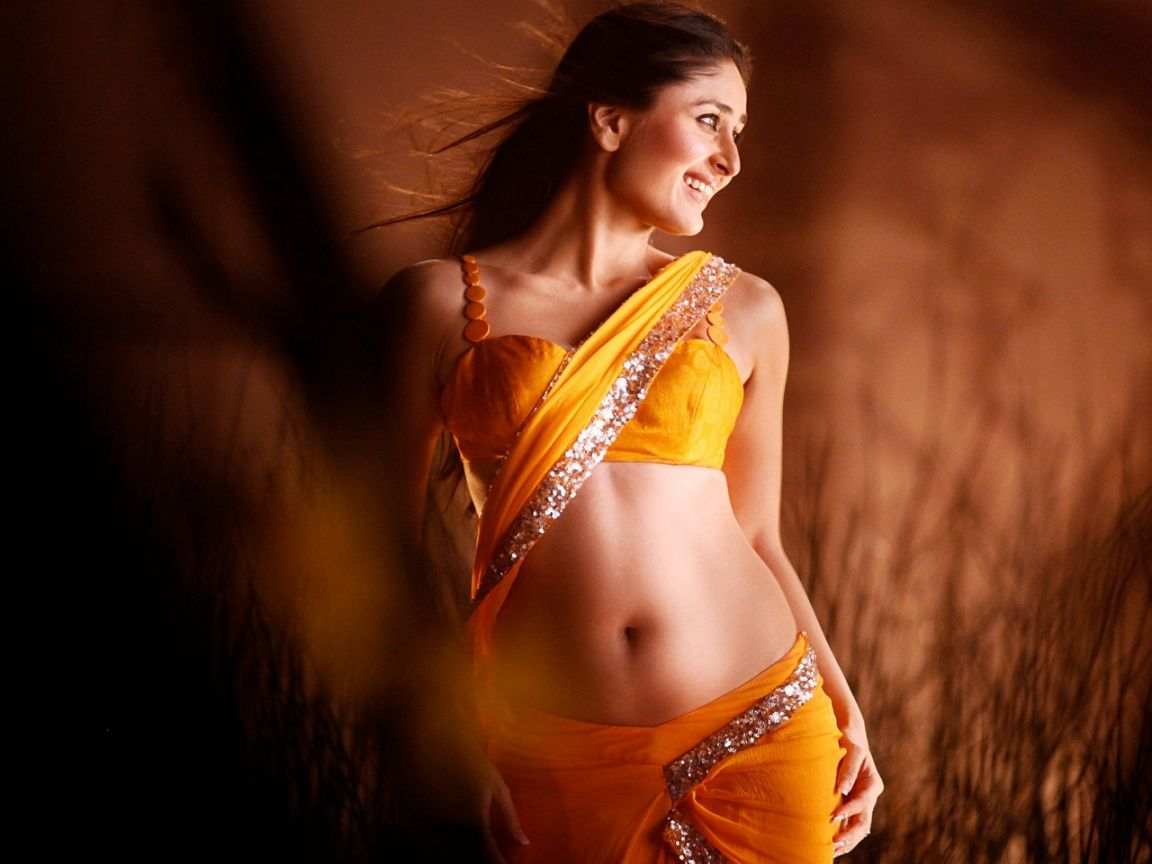 Sexy n cute kareena kapoor size zero shape navel show indian actress model pinterest size zero indian actresses and kareena kapoor