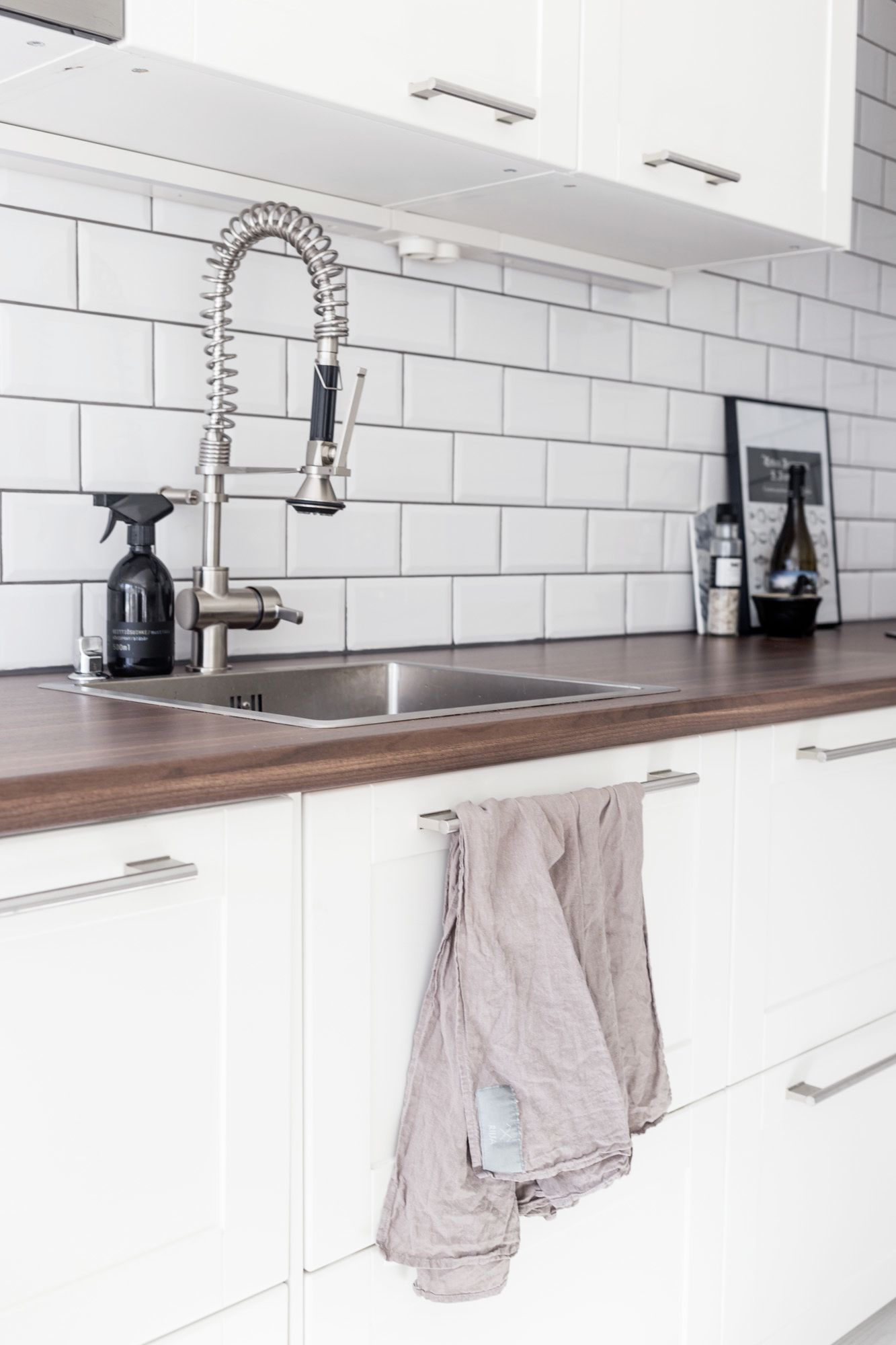 White kitchen / Subway tiles / Industrial / Noora&Noora  nooraandnoora.com
