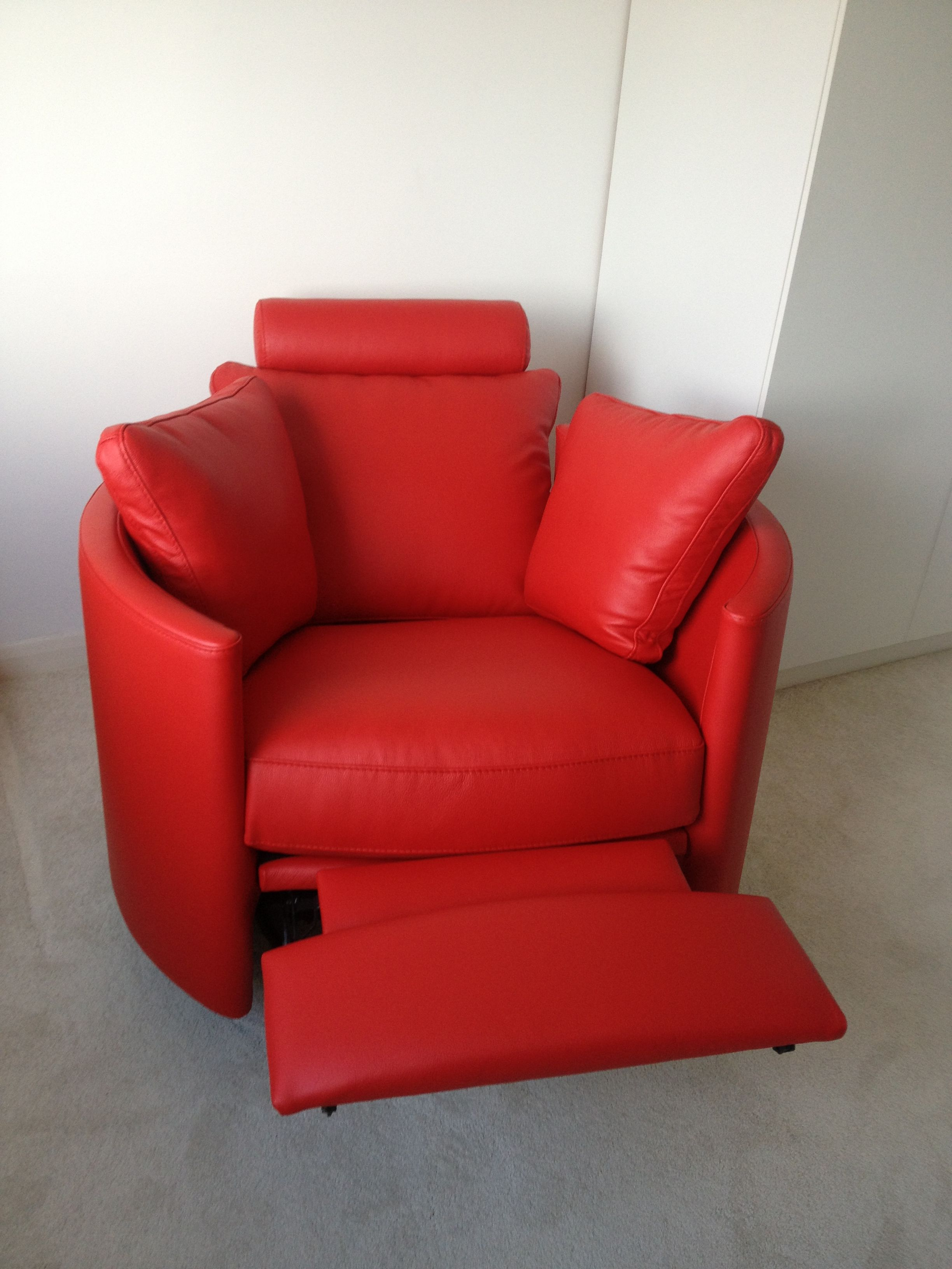 Hot red leather electric contemporary armchair recliner
