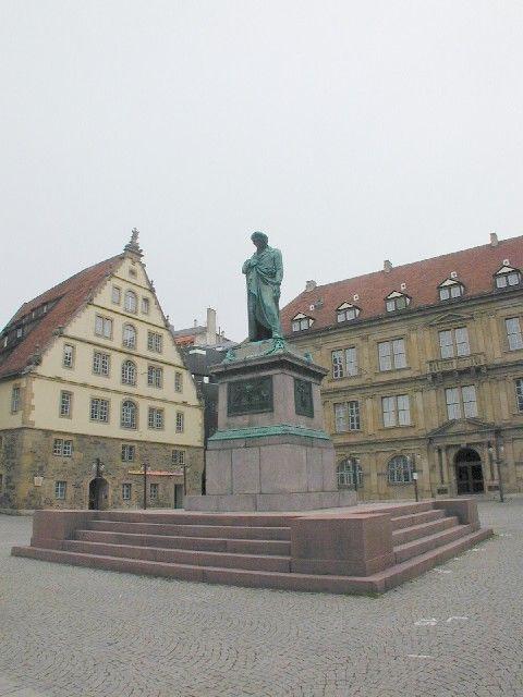Schiller Denkmal in Stuttgart uit 1839, was tijdens de