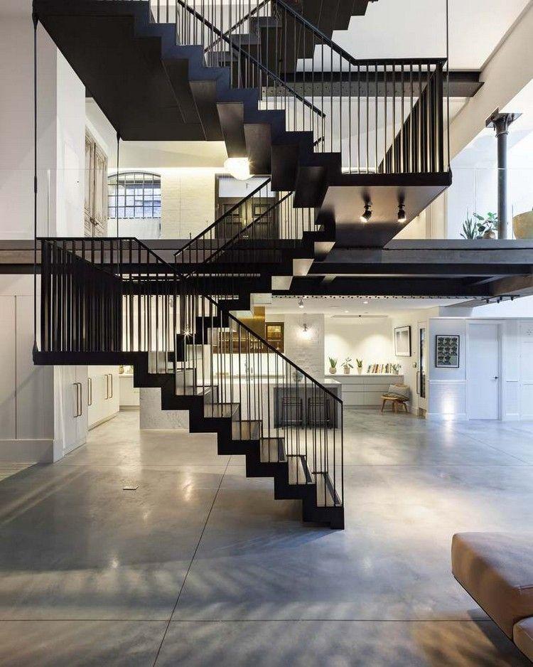 Mehrlaufige Schwarze Stahltreppe Holzstufen U Formig Offener Wohnraum Stahltreppen Wohnung In London Treppen Design