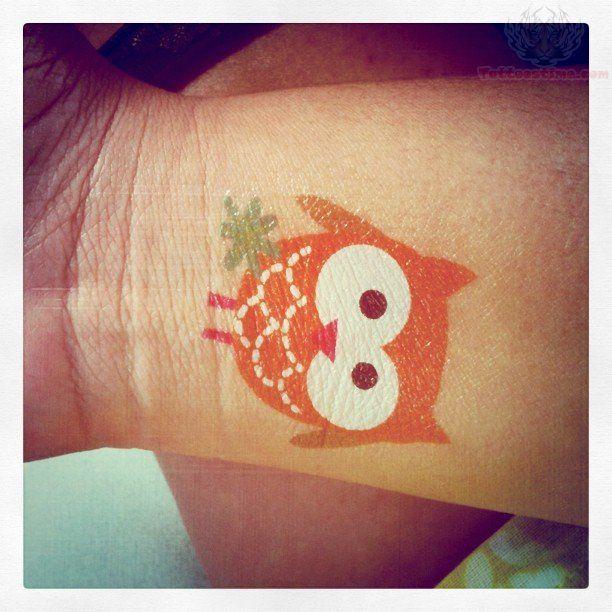 Small Owl Tattoos | Cute Owl Tattoo On Wrist | tattoo i ...