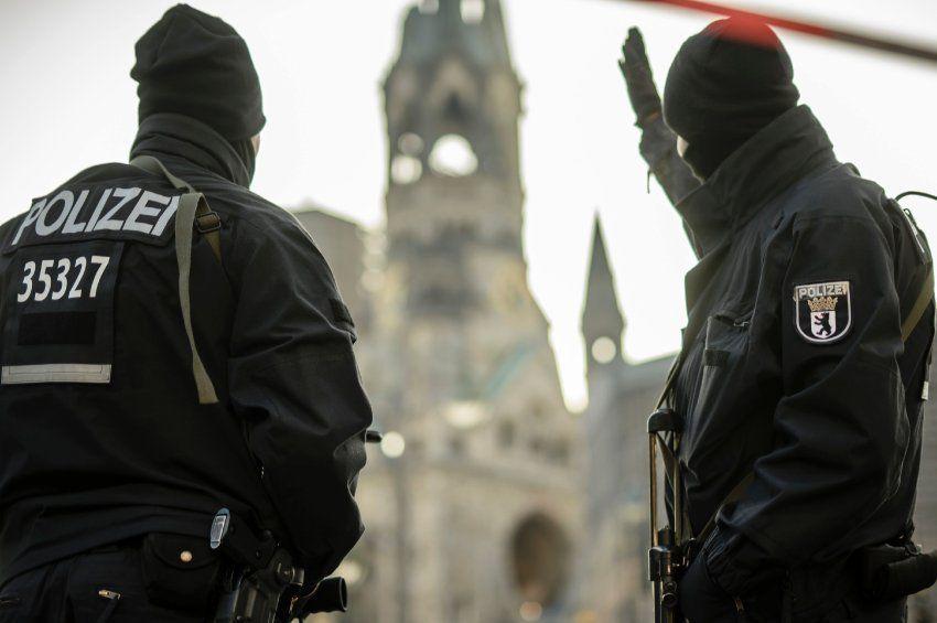 NRW-Innenminister zu Anis A.: Gesuchter Tunesier sollte abgeschoben werden - SPIEGEL ONLINE - Politik