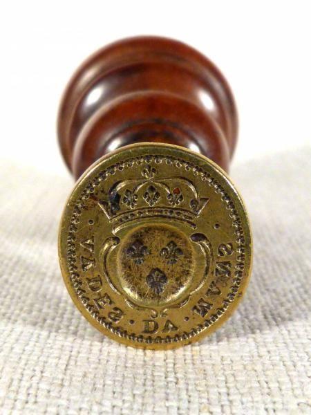 antiquite-sceau-louis-xiv-classique-cour-des-aydes-le-mans-sceau-13241.jpg (450×600)