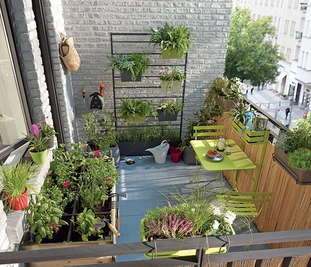 am nager un petit potager sur son balcon 20 id es inspirantes vid o plantes jardin. Black Bedroom Furniture Sets. Home Design Ideas