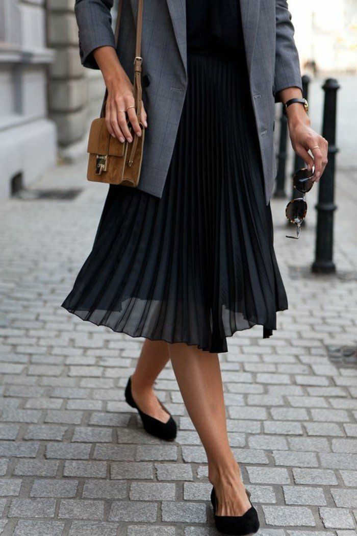 comment porter la jupe longue pliss e 80 id es jupe mi longue veste grise et mi long. Black Bedroom Furniture Sets. Home Design Ideas