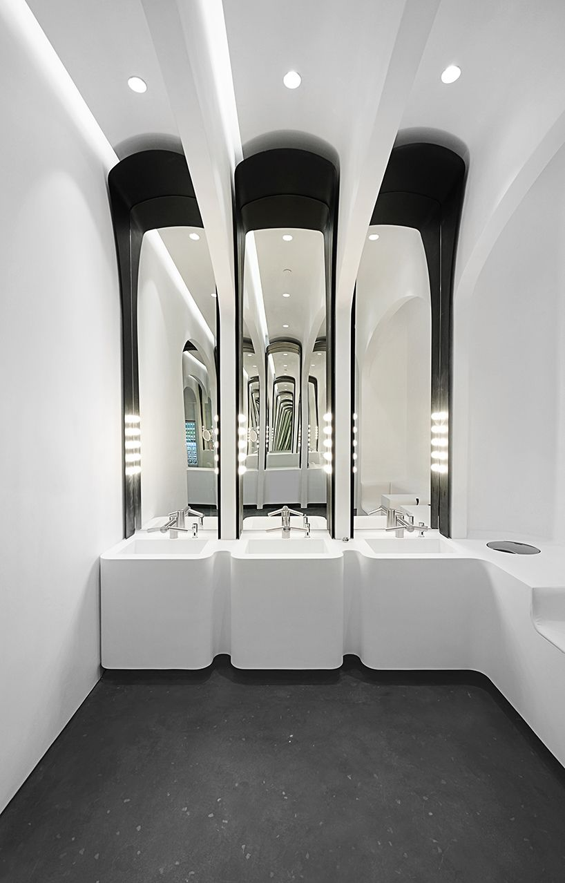 Wcd In De Badkamer Ida Billy S Arched Washroom Experience Reminiscent Of European