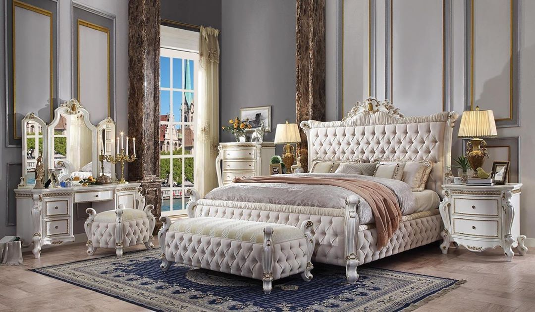 Habibi Furniture On Instagram Habibi Furniturenyc Habibi Furnitureny Financing Traditional Bedroom Furniture Upholstered Bedroom Set Upholstered Bedroom