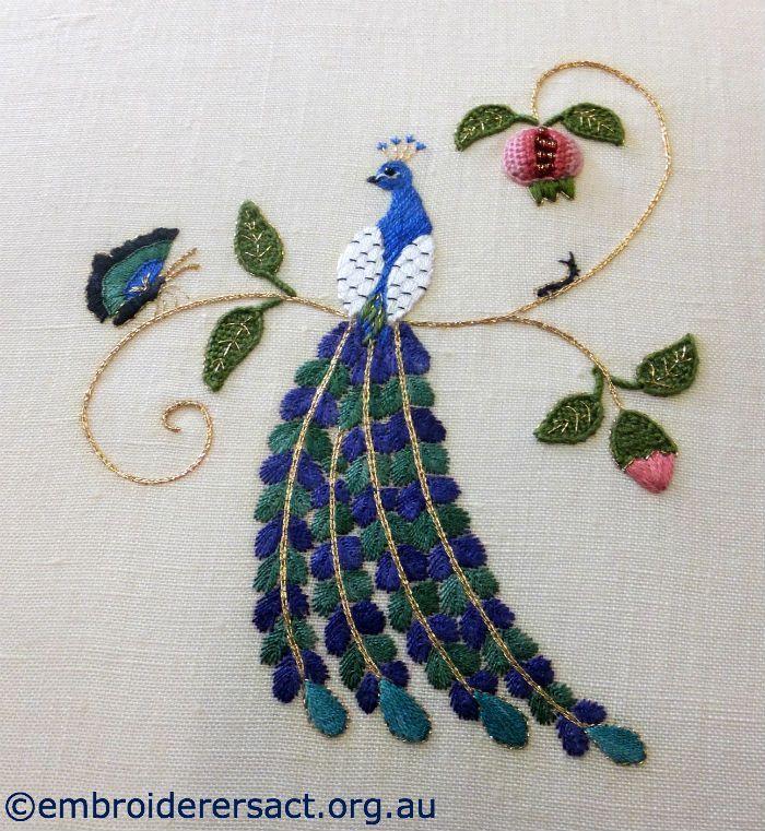 Pin de Fona ma en Embroidery art | Pinterest | Bordado, Pavos reales ...
