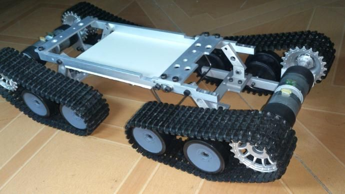 Homemade Car Kit Hot Sell Rc Tank Car Chassis Wireless Crawler