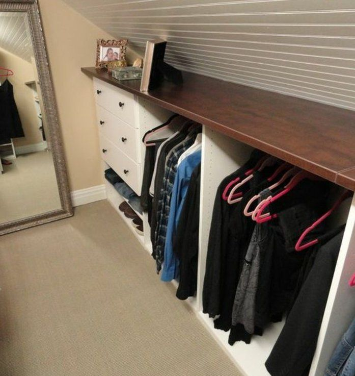 1001 Idee Pour Un Dressing Sous Pente Gain De Place Dressing Sous Pente Dressing Sous Combles Amenagement Dressing Ikea