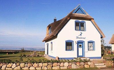 """Ferienhaus """"Windsbraut"""" für bis zu 4 Personen in Breege"""