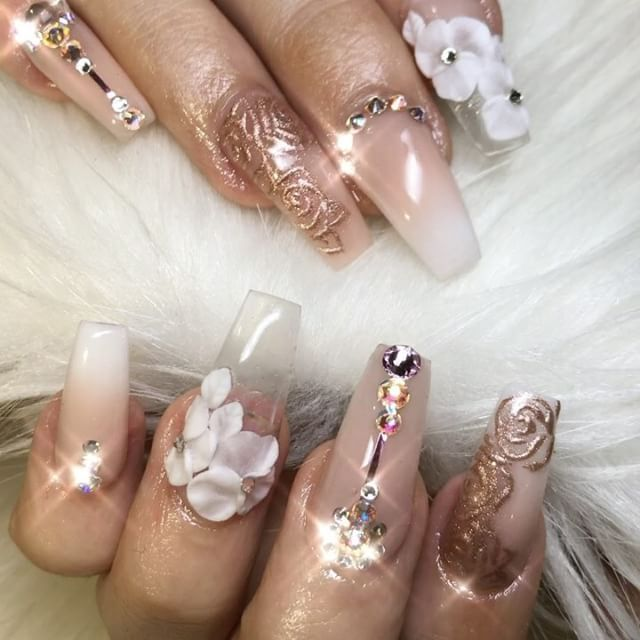 19.7k Followers, 231 Following, 835 Posts - See Instagram photos and videos from ✨LUXURY NAIL LOUNGE✨ (@glamour_chic_beauty)