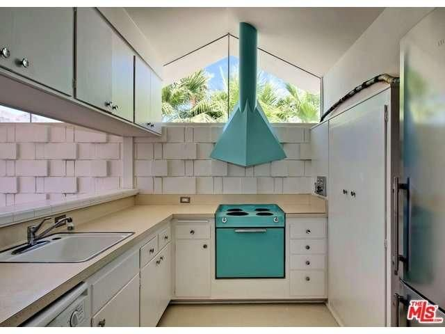 1766 ARABY Drive, Palm Springs, CA 92264   An Architectural Mid Century  Modern 2 Bedroom Condo For Sale.