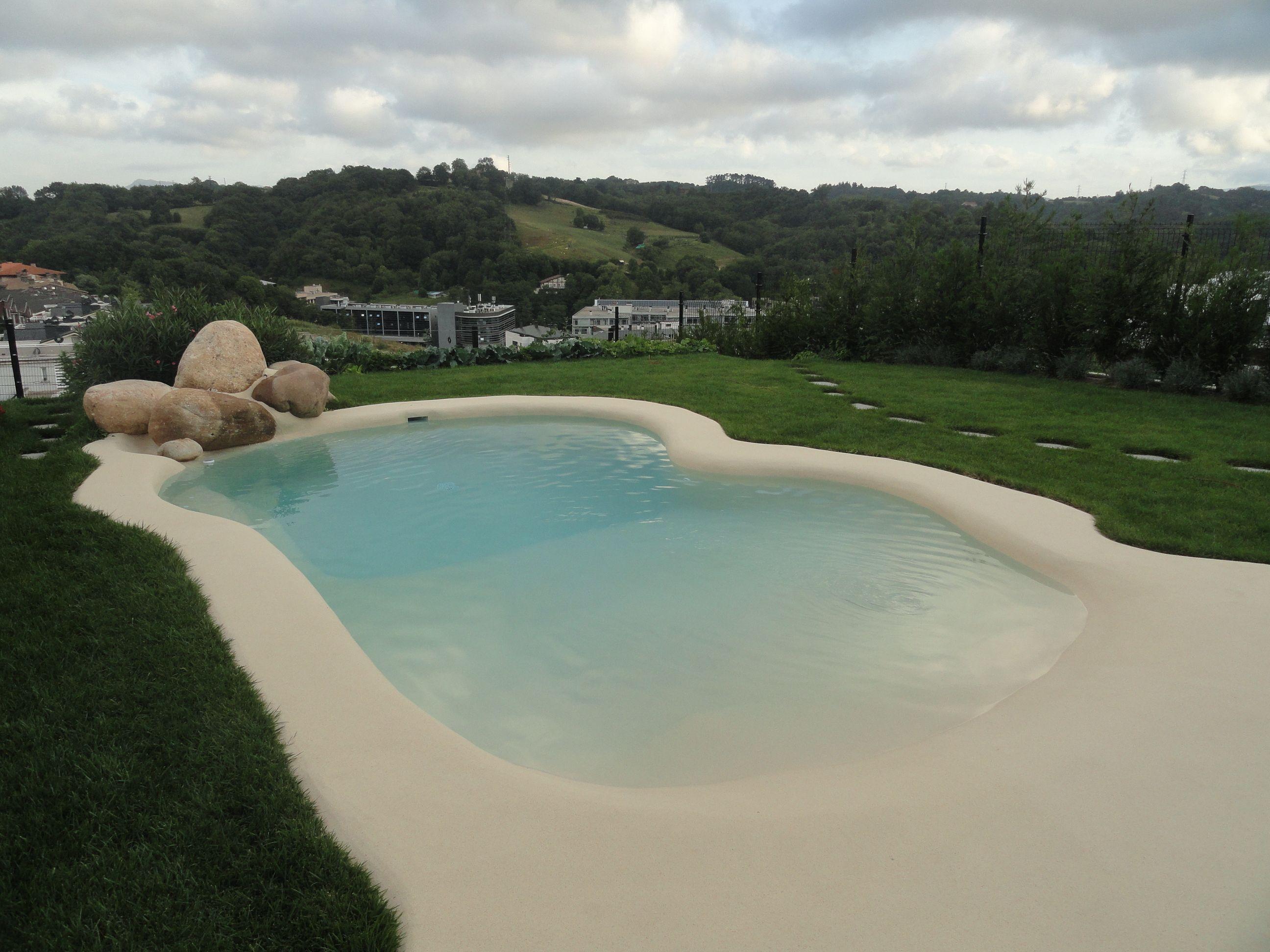 La piscina de arena de esta vivienda de Donosti se integra de manera ...
