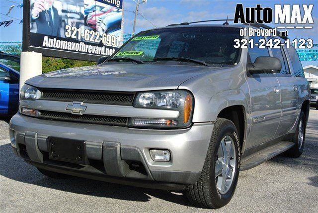 Safe And Reliable This Used 2004 Chevrolet Trailblazer Ext Ls Packs In Your Passengers And Their Bags With Room To Spare It S Loaded With Chevrolet Trailblazer Chevrolet Chevy