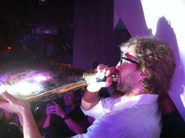 Dirk Nowitzki celebrates his Finals win with a whole lotta
