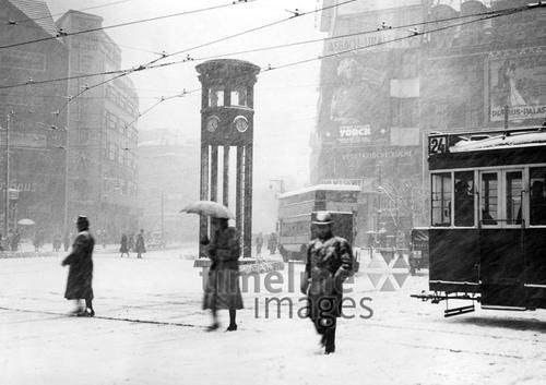 Winteransichten, Winter in Berlin, 1936 Timeline Classics/Timeline Images