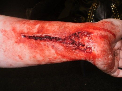 How to make a gory fake wound or scar with glue and cocoa - Zombie scars with glue ...