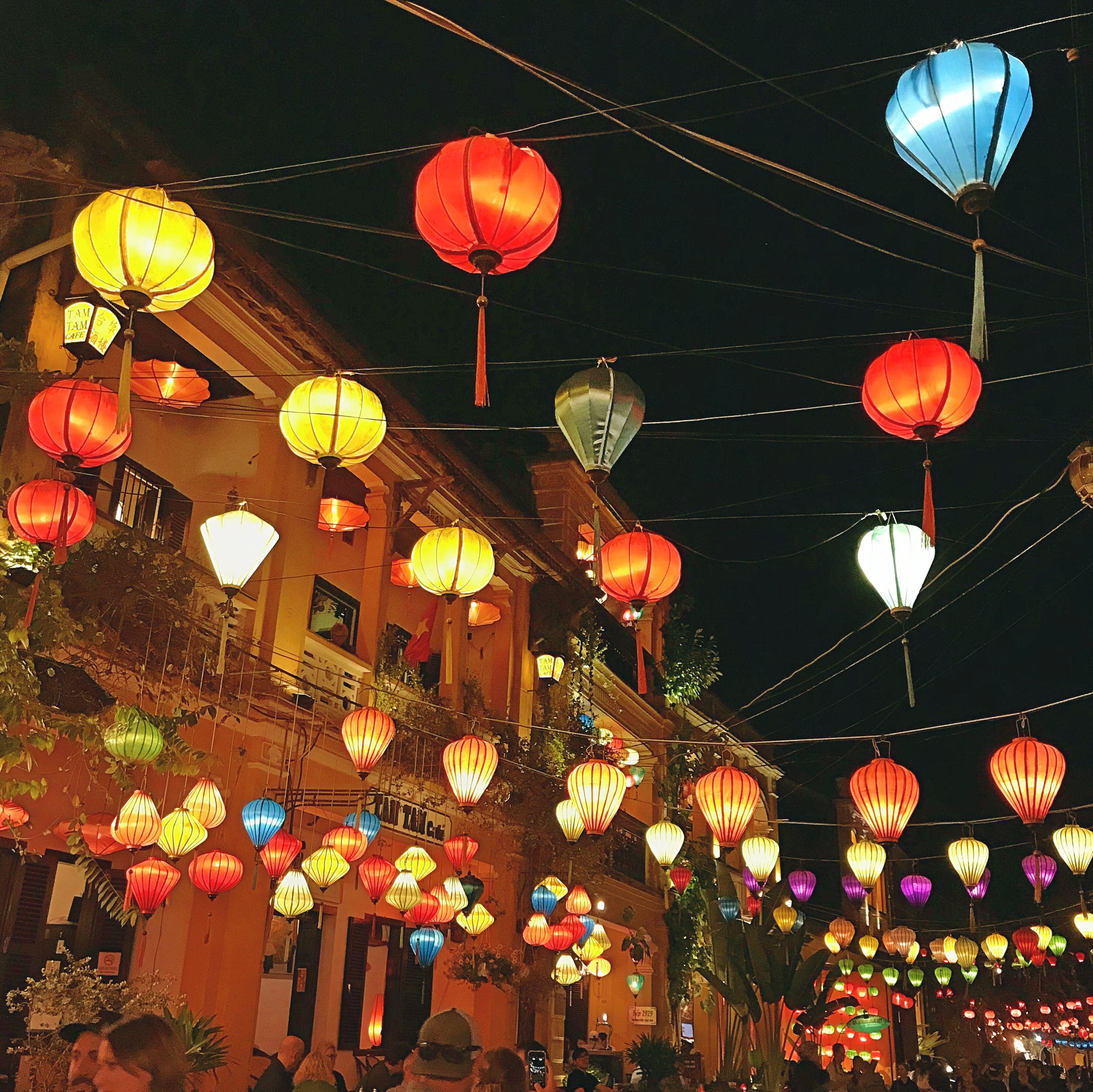 Hanging Chinese Lanterns In Hoi An Vietnam Chinese Lanterns