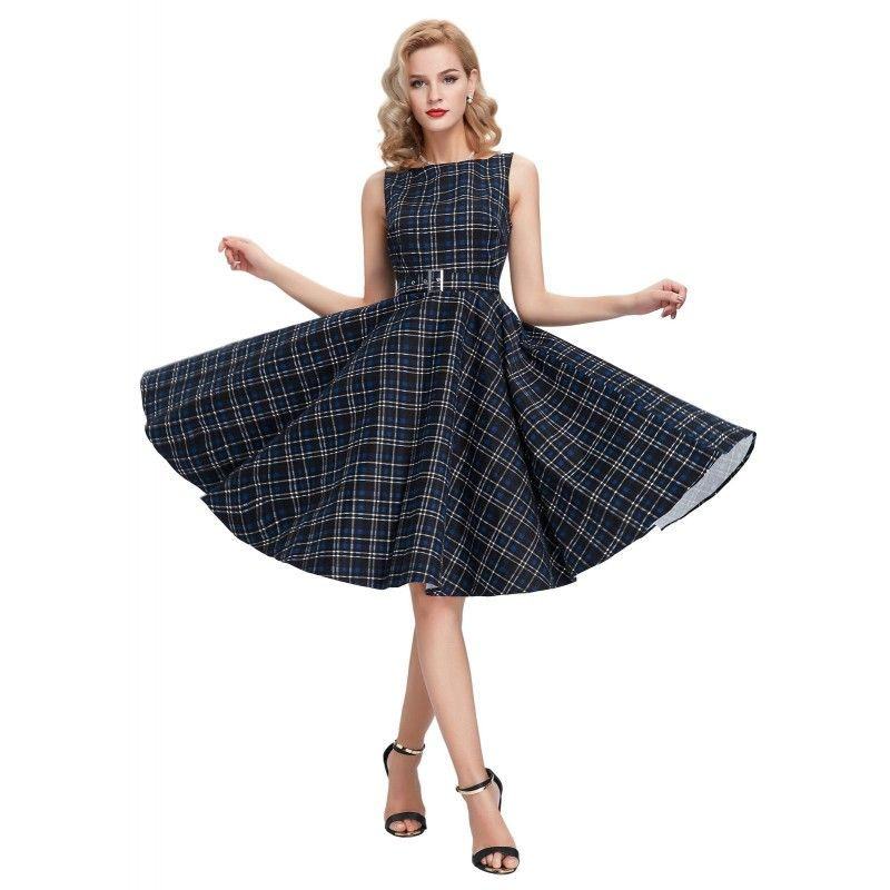 Vestido Pin Up. I love vintage style!!! :) http://www.street21deluxe.com/es/ropa-pin-up-y-rockabilly/1726-vestido-vintage-classic-a-cuadros-negro.html