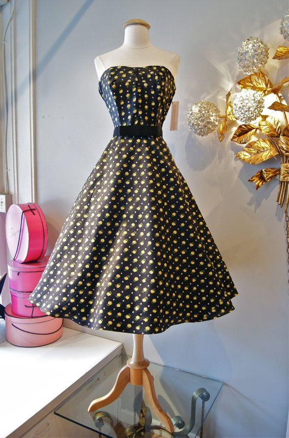 50s Style Strapless Dress // 1950's