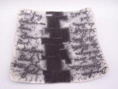 Leere Zimmer, Gefäß für Gedanken aus Naked Raku Keramik mit Text von Hildegard Schemehl / Poem vessel made in naked raku technique