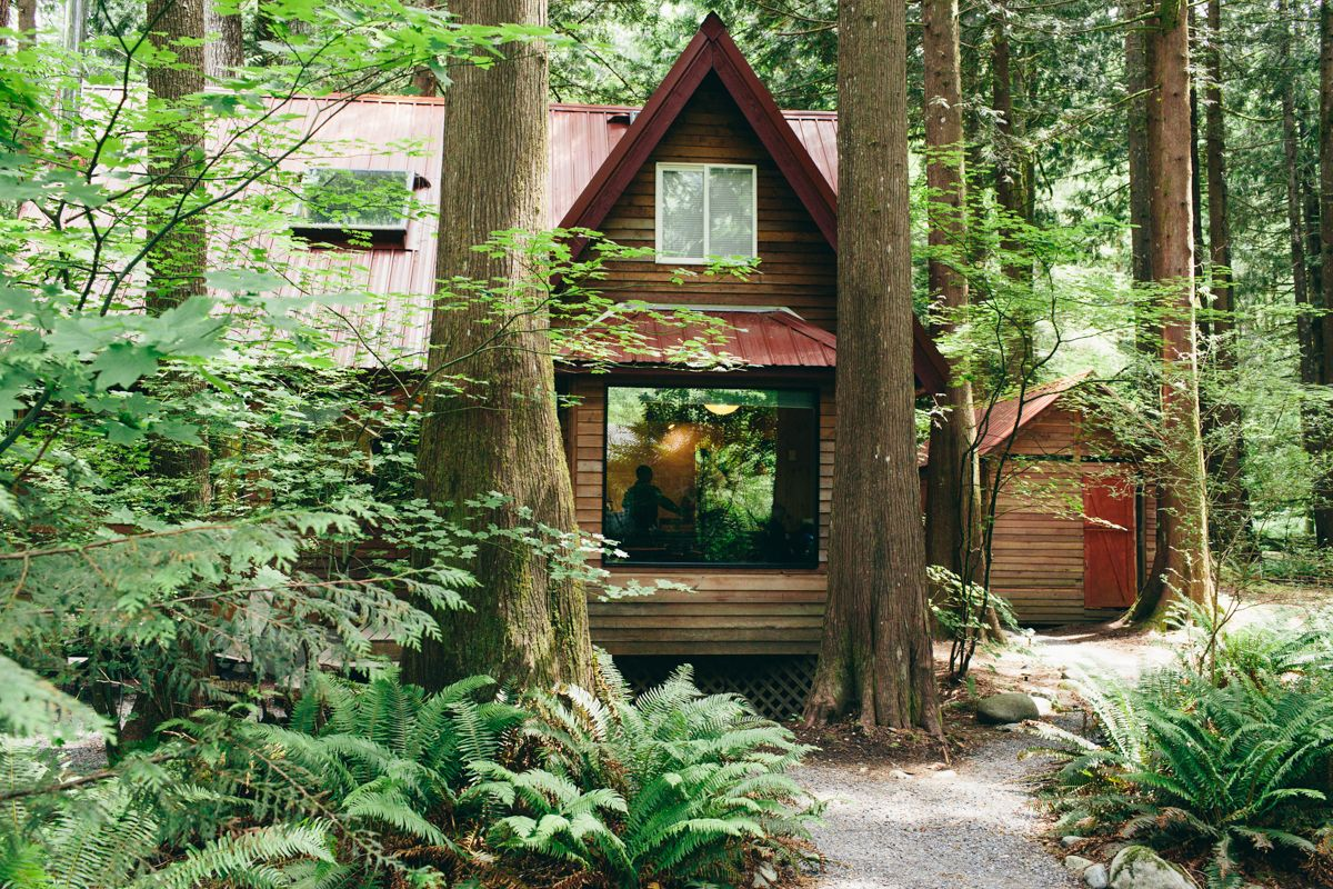 Intimate mountain wedding in seattle amanda matt for Cabin wedding venues