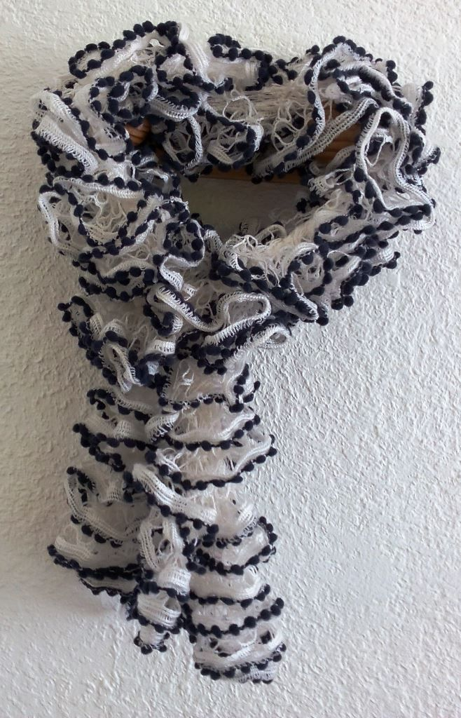 tricoter une echarpe laine papillon