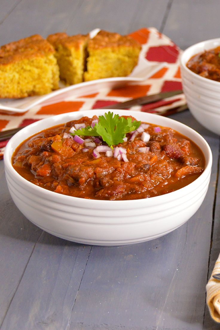 Two Bean Chili - hearty, inexpensive chili made with kidney beans and black beans. Vegan, gluten free, dairy free. Can make a big batch for $5-6!