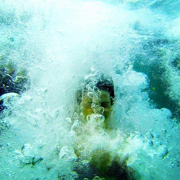 """""""Burbujas bajo el mar"""" de Juanfran Gomis (@juanfranfree), ganador 4ª Semana concurso #elcampello en #instagram #esenciamediterranea"""