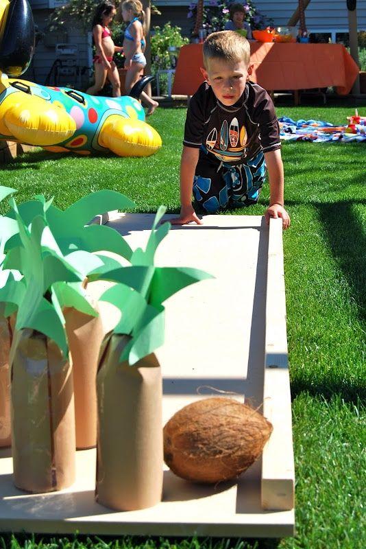 Ahoi Landmatrosen! Wir veranstalten eine coole Piratenparty. Und die passenden Ideen dazu gibt es hier. Leckere Seemannskost und die passende Deko sowie fetzige Spiele findet Ihr auch auf blog.balloonas.com    #balloonas #kindergeburtstag #pirat #spiele #party #hawaiianluauparty