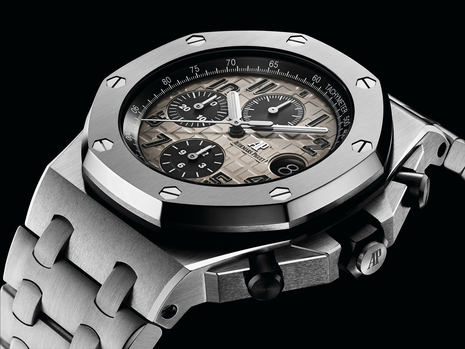 45872ef0c16 Audemars Piguet Royal Oak Offshore - platinum 26470PT - case detail -  Perpetuelle
