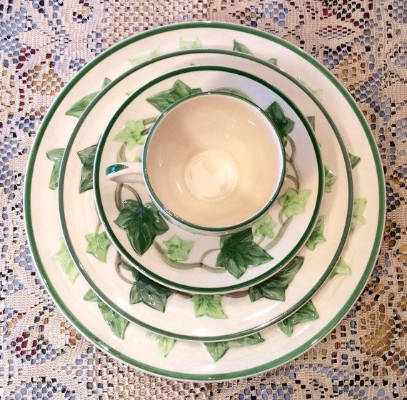 Franciscan Ivy 5 Piece Place Setting - California Pottery - Dinnerware Set- I Love a  sc 1 st  Pinterest & Franciscan Ivy 5 Piece Place Setting - California Pottery ...