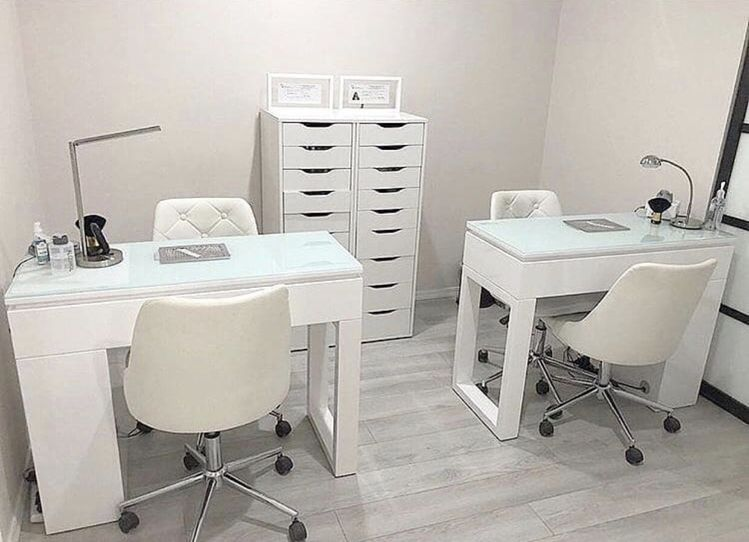 Small Nail Station Set Up Idea Home Beauty Salon Nail Salon Decor Nail Salon Design