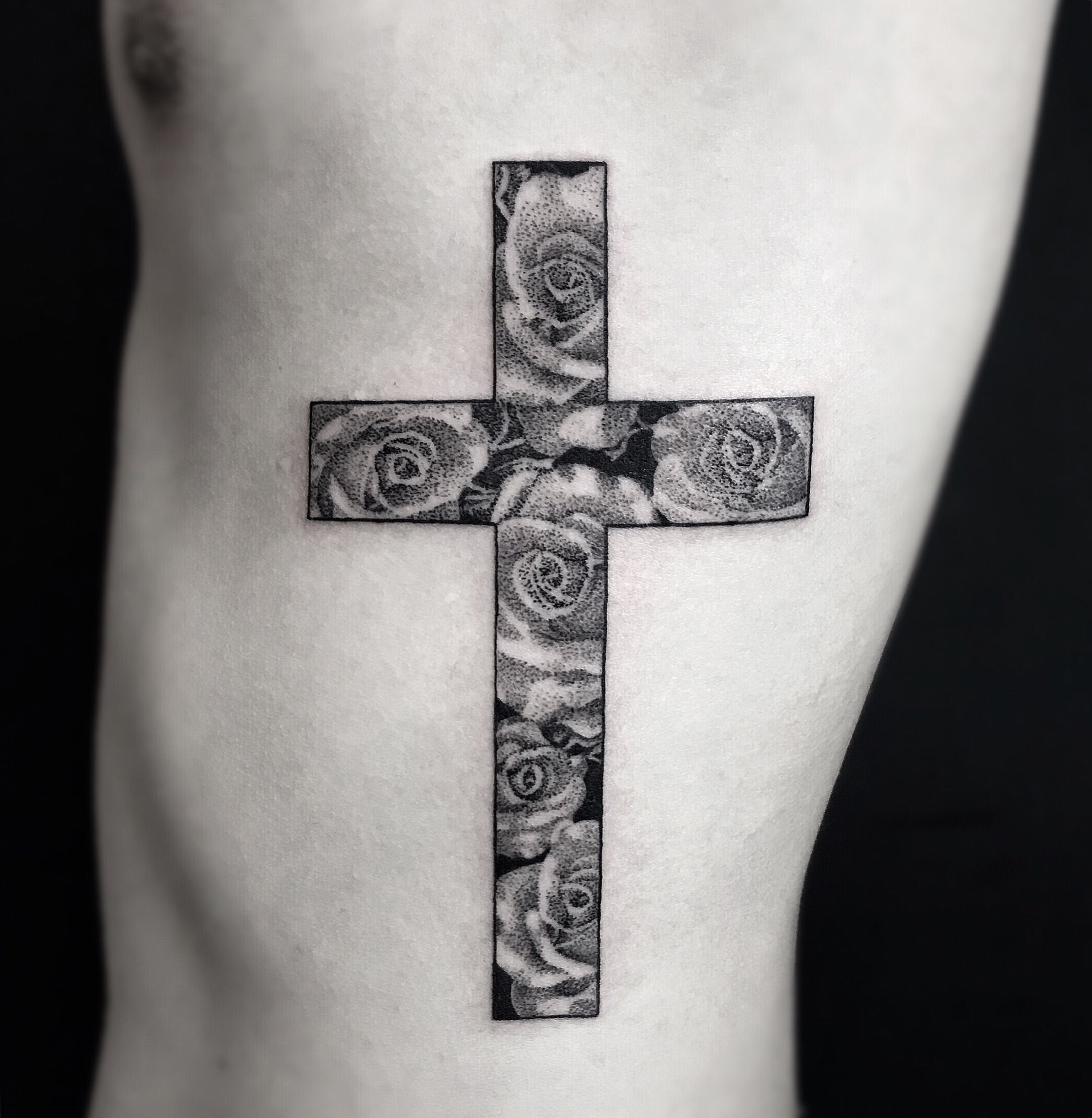 Cross And Rose Cross Rosetattoo Rose Tattoo Crosstattoo