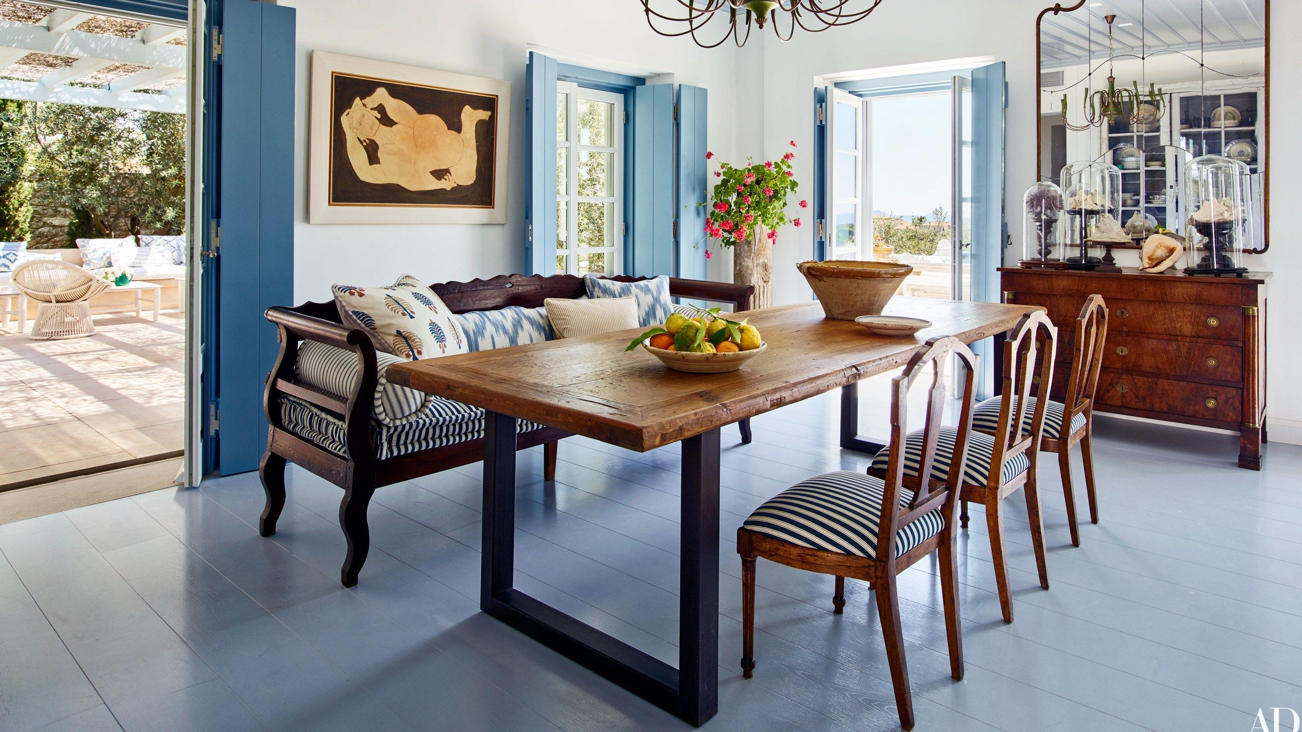 6 Reliably Chic Ways To Mix And Match Dining Room Chairs Farmhouse Dining Room Dining Room Colors Dining Room Chairs
