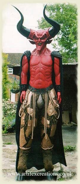 Lord of Darkness life size statue! Awesome!!! HALLOWEEN MAKEUP - life size halloween decorations
