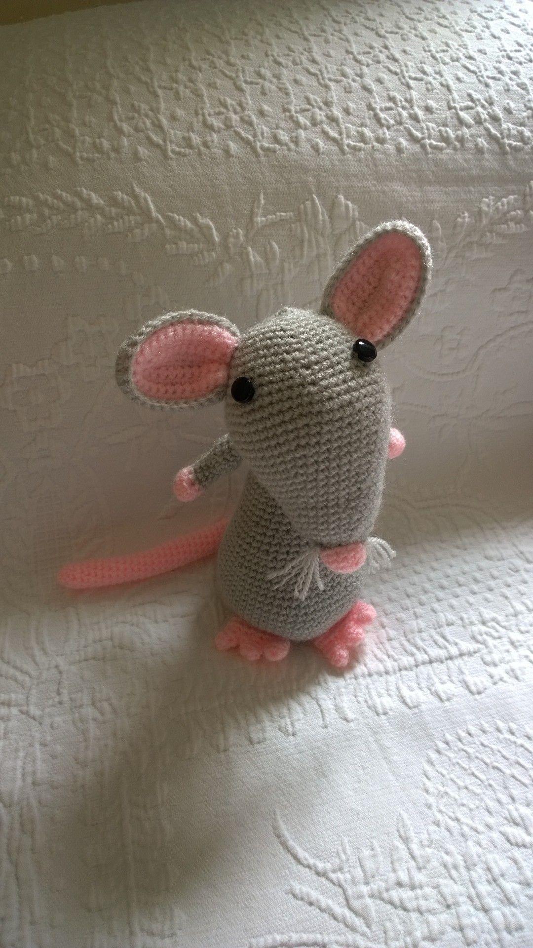 Ratita amigurumi! :D Hecha con un patrón de Picapau.