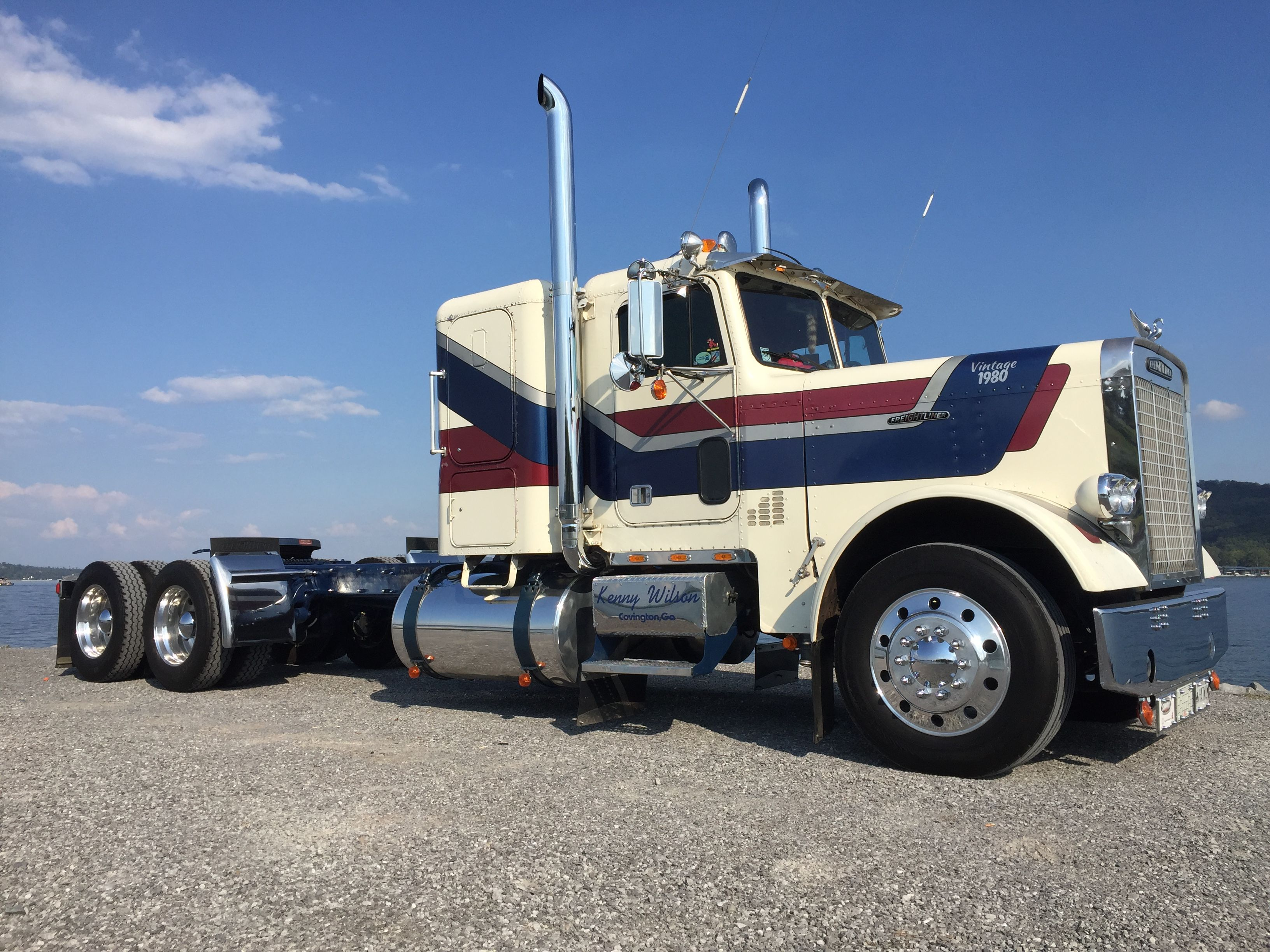 Pin by Kenny Wilson on Freightliner restoration Vehicles